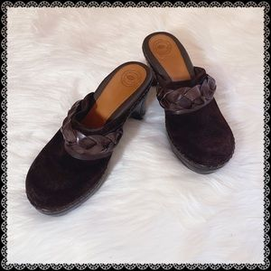 NUTURE BY LAMAZE Brown Suede Leather Braided Clogs